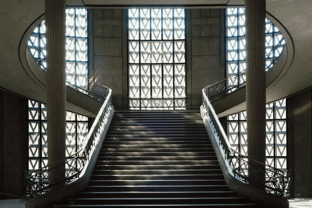 l 39 escalier monumental chef d 39 oeuvre d 39 auguste perret. Black Bedroom Furniture Sets. Home Design Ideas