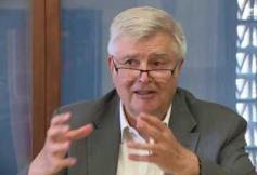 Questions à Pierre VELTZ (économiste) - Industrie : un moteur de croissance