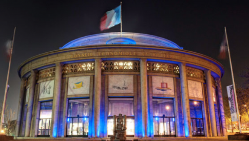 Le CESE s'éclaire en bleu à l'occasion de la journée mondiale de l'Autisme