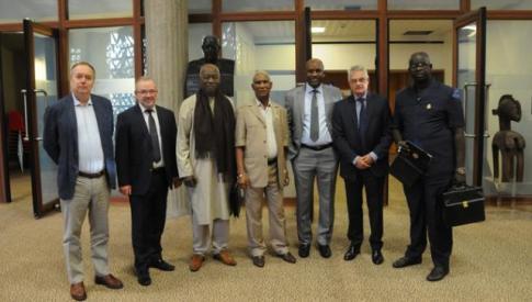 Une délégation du CES de Guinée accueillie au CESE