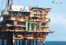 Preventive management of environmental risks: safety of marine oil rigs